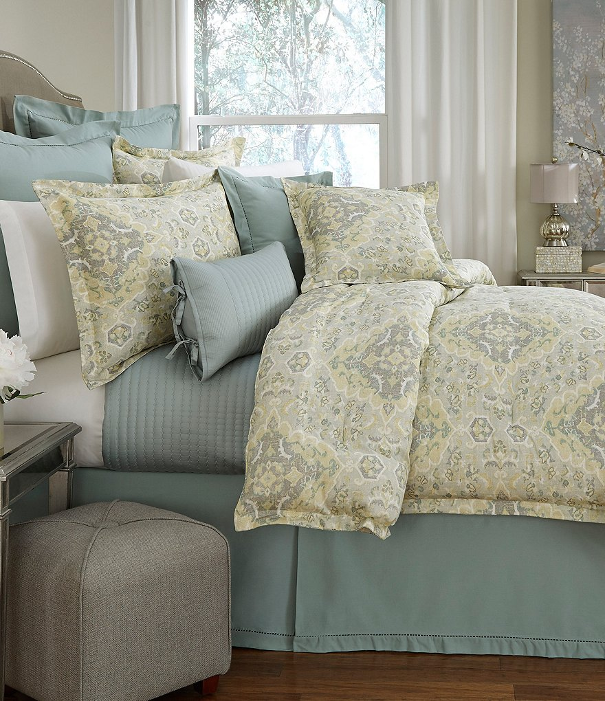 Villa by Noble Excellence Messina Vintage Moroccan Medallion Comforter Mini Set