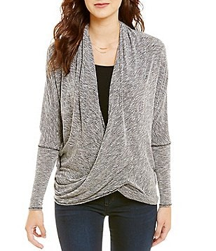 ELAN Criss Cross V-Neck Long Sleeve Top