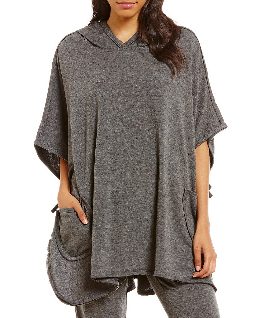 Jasmine & Ginger Hooded Fleece Lounge Poncho
