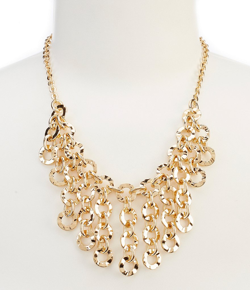 Dillard´s Tailored Wavy Circle Link Statement Necklace