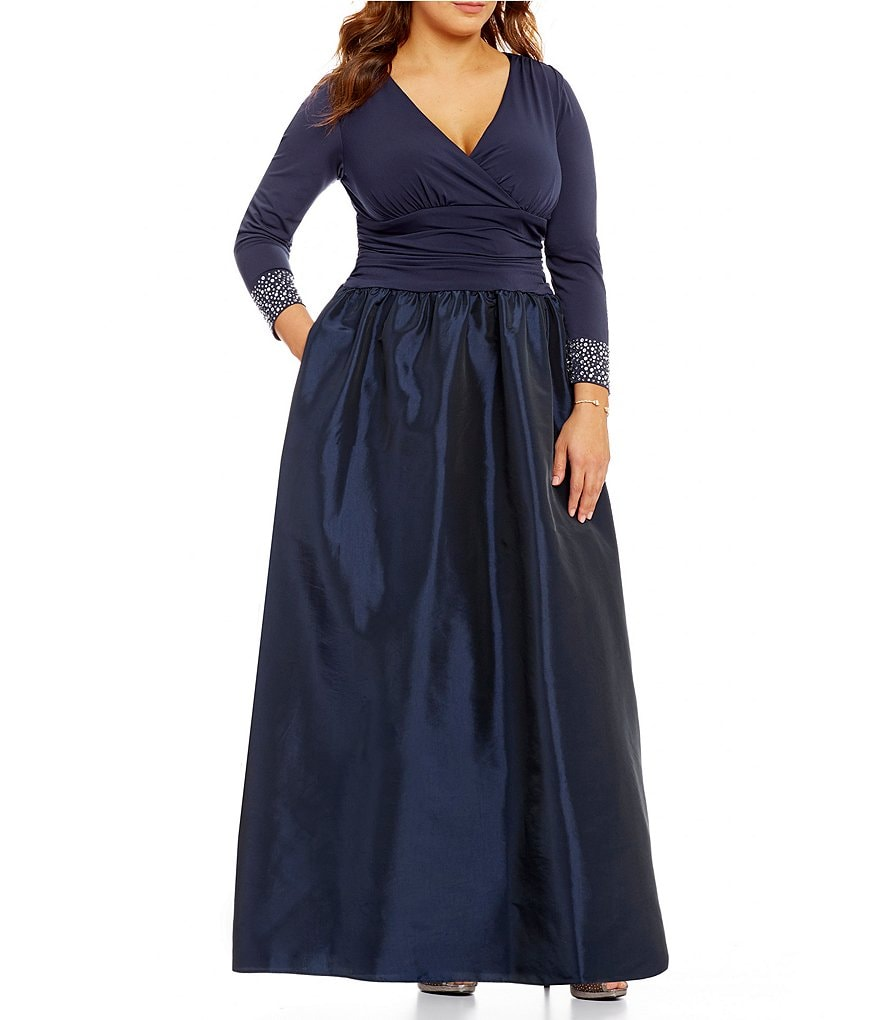 Jessica Howard Plus Beaded-Cuff V-Neck Ruched Taffeta Ballgown