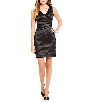 Leslie Fay Sleeveless V-Neck Sunburst Panel Dress
