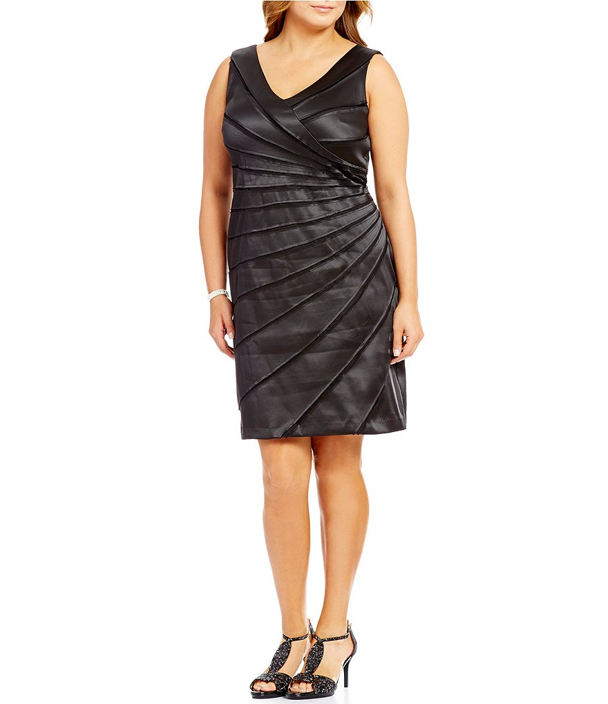 Leslie Fay Plus Sleeveless V-Neck Sunburst Dress