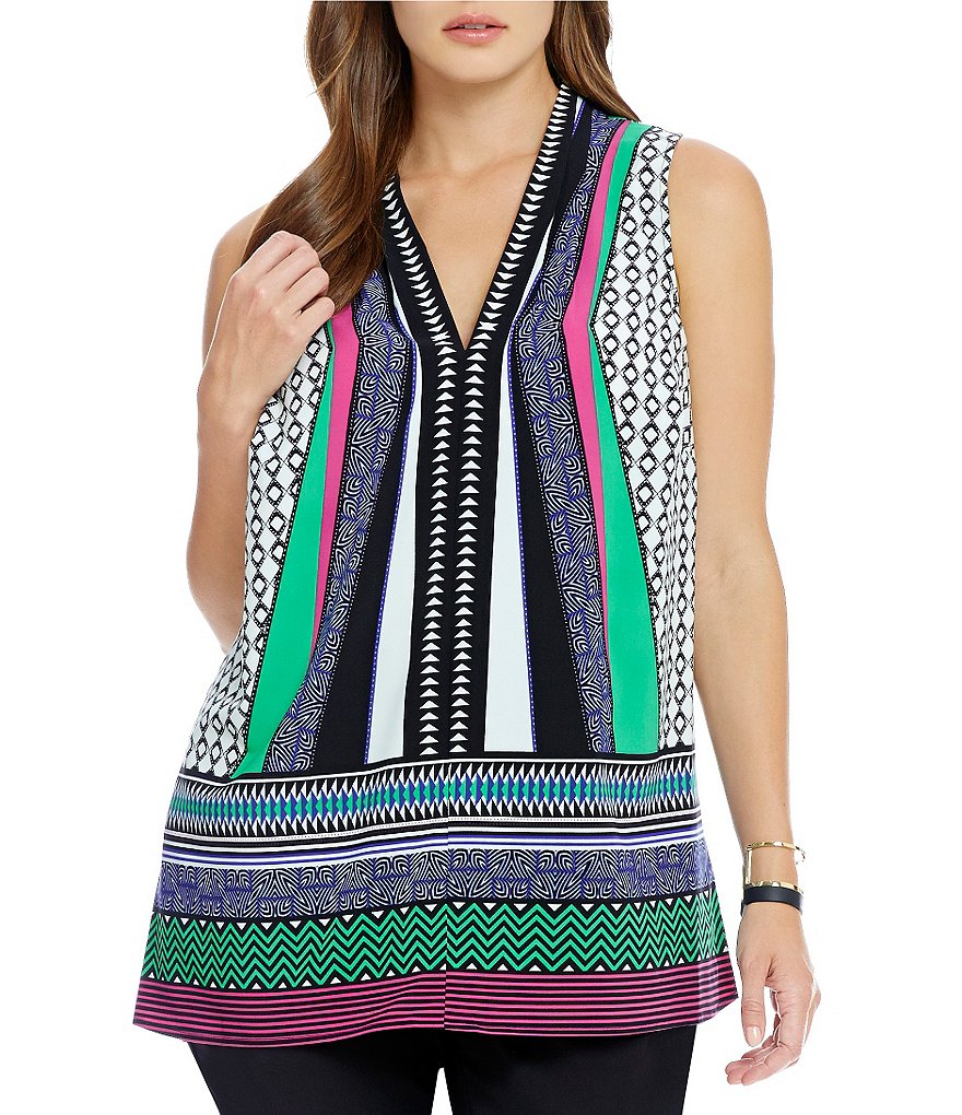 Gibson & Latimer Plus Sleeveless Geometric Printed Woven Tank