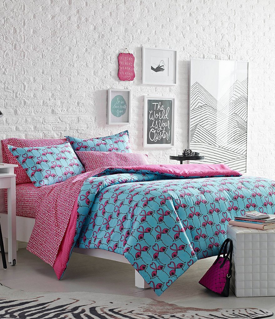 Luv Betsey by Betsey Johnson Love Birds Flamingo Hearts Dotted Comforter Mini Set