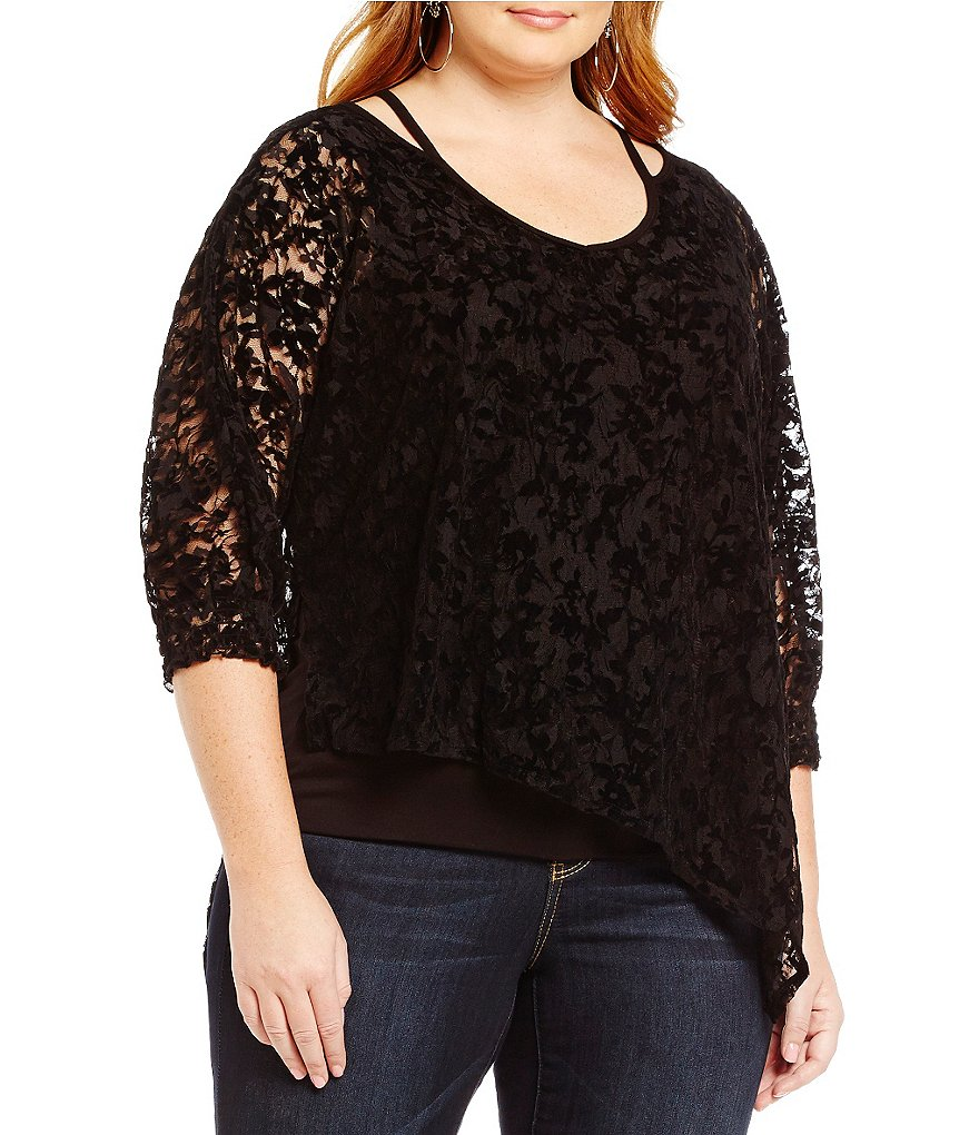 Democracy Plus V-Neck 3/4 Sleeve Lace Top