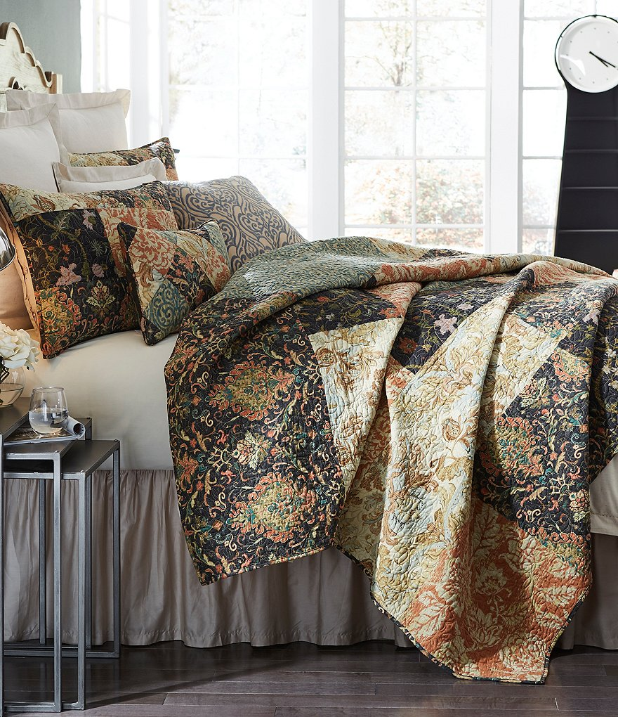 Villa by Noble Excellence Pasaro Embroidered Patchwork Cotton Quilt Mini Set