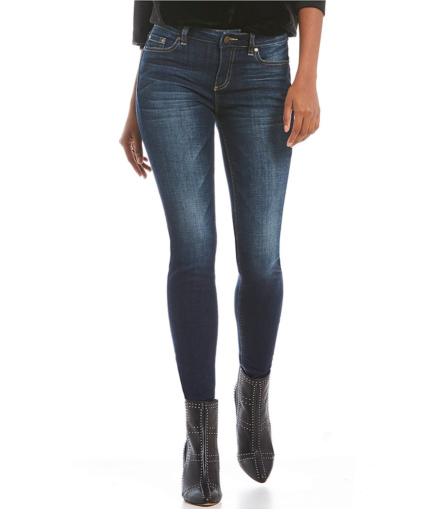 Two by Vince Camuto Classic Indigo Skinny Jean