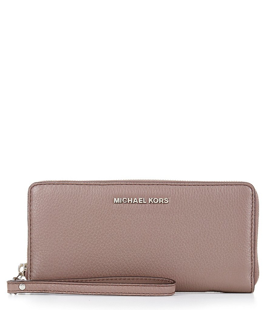 MICHAEL Michael Kors Bedford Travel Continental Wallet