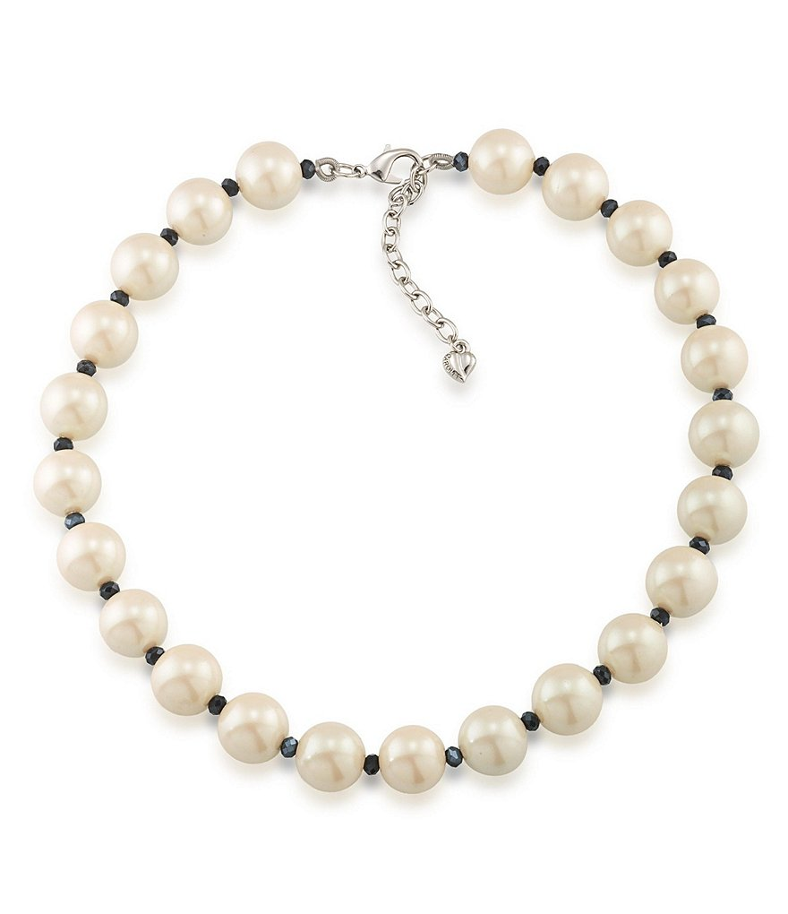 Carolee Soho House Pearl Collar Necklace