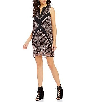 Buffalo David Bitton Starla Split V-Neck Sleeveless Printed Shift Mini Dress