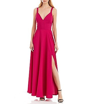 Nicole Miller New York Sweetheart Neck Sleeveless Solid Gown