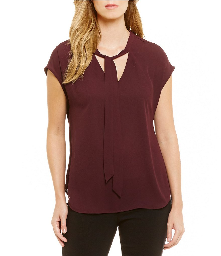 Gibson & Latimer Short Sleeve V-Neck With Tie Blouse