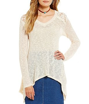 Blu Pepper V-Neck Lace Shoulder Sharkbite Hem Knit Top
