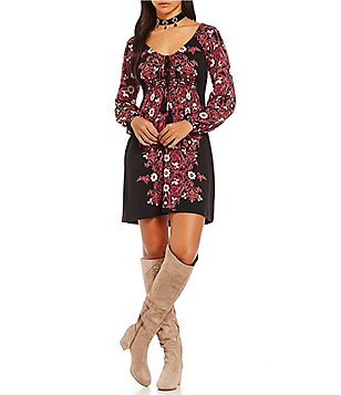 Chelsea & Violet Scoop Neck Long Sleeve Printed Dress