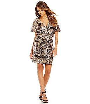 Gianni Bini Kendall V-Neck Short Sleeve Printed Sequined Dress