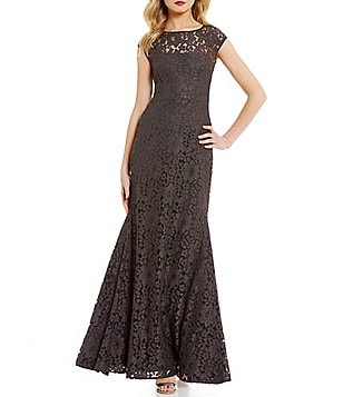 Vera Wang Cap-Sleeve Mermaid Lace Gown