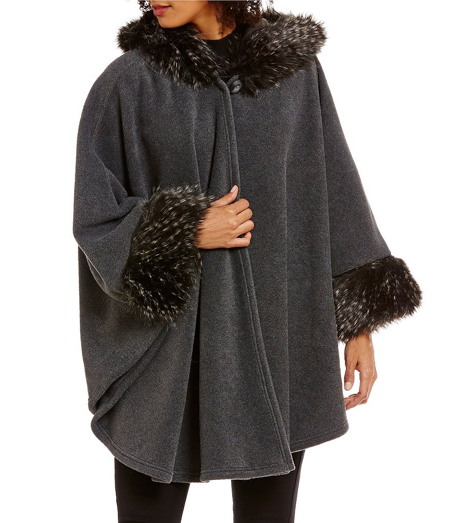 Dillard´s Faux Fur-Trimmed Hooded Cape
