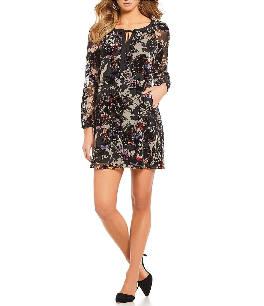 Gibson & Latimer Velvet Floral Long Sleeve Shift Dress