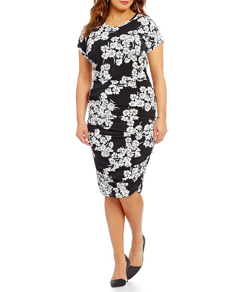 Vince Camuto Plus Short Sleeve Petal Print Ruched Knit Sheath Dress