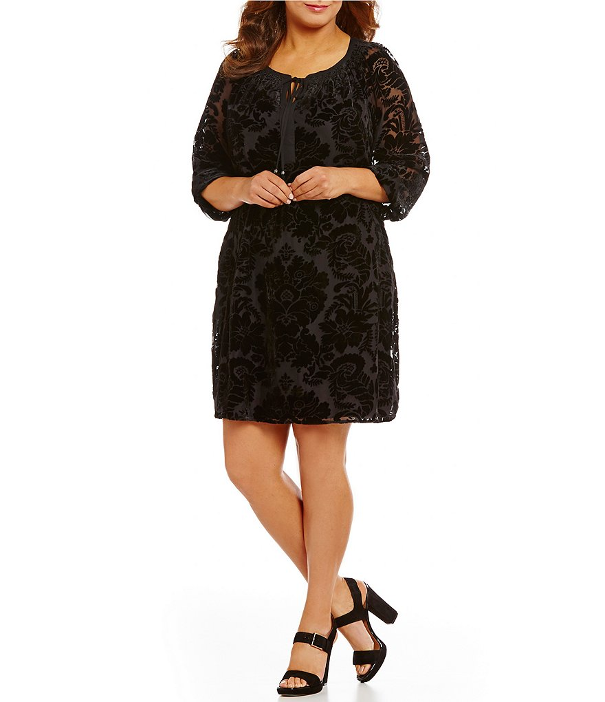 Gibson & Latimer Plus Velvet Floral Shift Dress