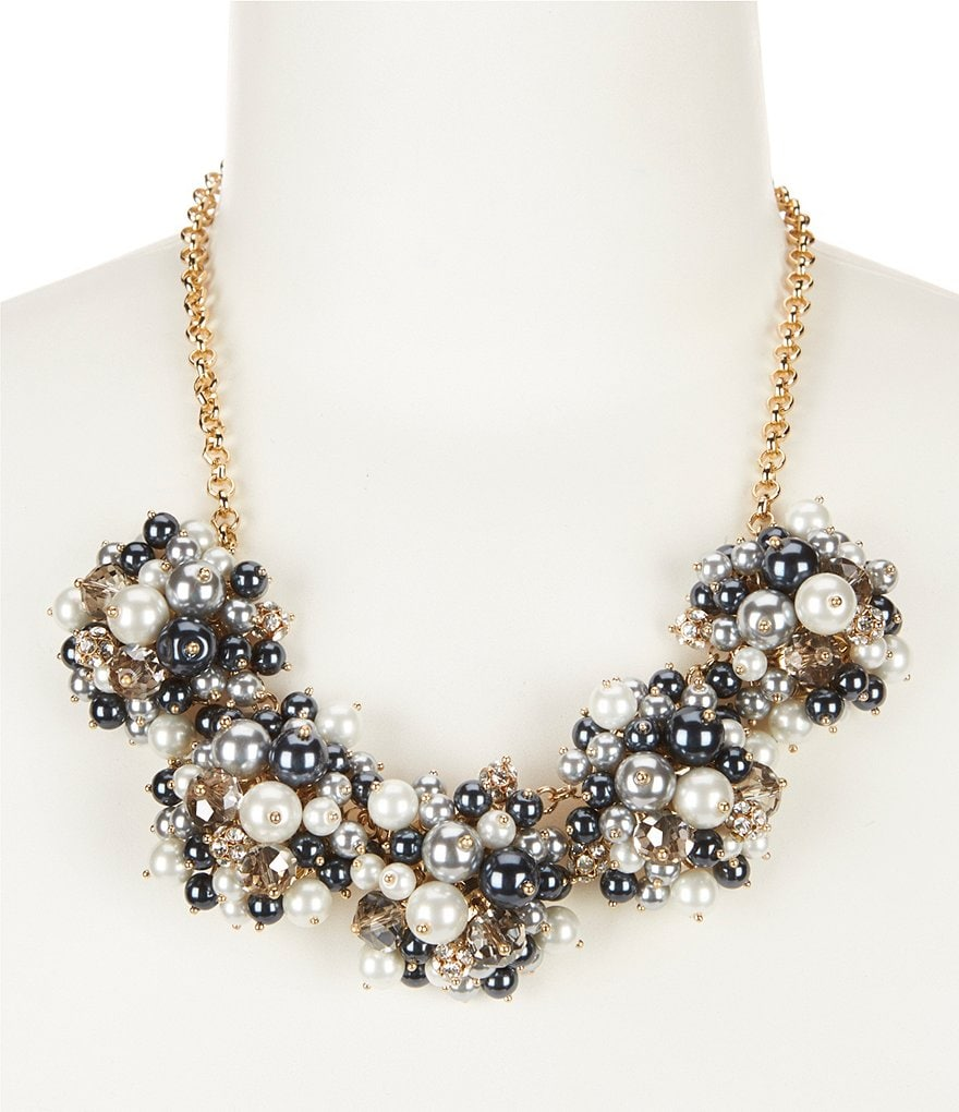 Dillard´s Tailored Cluster Pearl & Fireball Collar Necklace