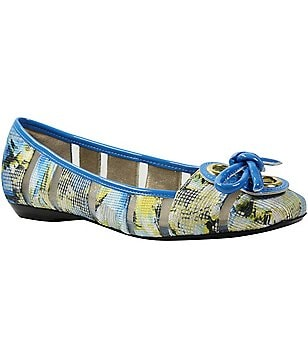 J Renee Edie Floral Printed Patent Leather Trim Bow Detail Slip-On Flats