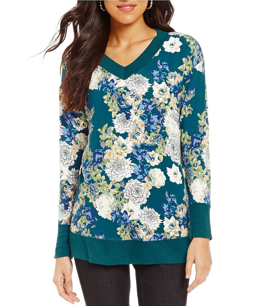 Westbound Long Sleeve Plush Printed V-Neck Top