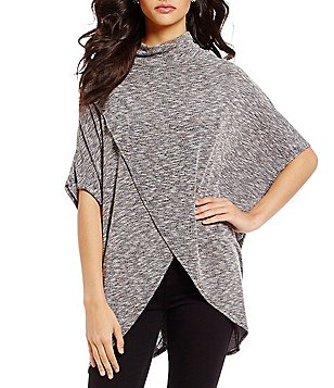 ELAN Criss Cross Mockneck Short Sleeve Top