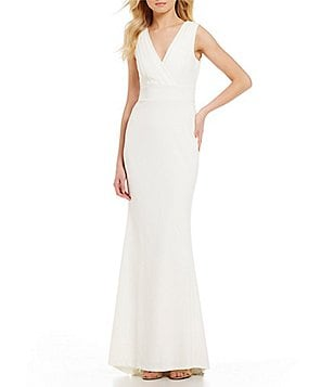 Calvin Klein V-Neck Sleeveless Classic Gown