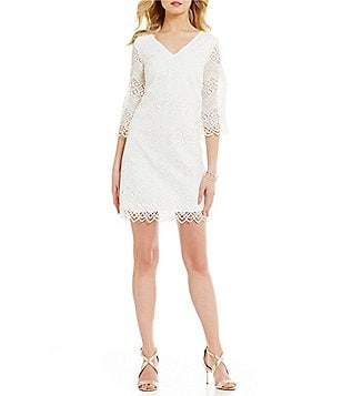 Laundry by Shelli Segal V-Neck 3/4 Sleeve Scalloped Lace Shift Dress