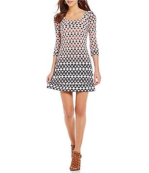 Jessica Simpson Scoop Neck 3/4 Sleeve Printed Matte Jersey Shift Dress