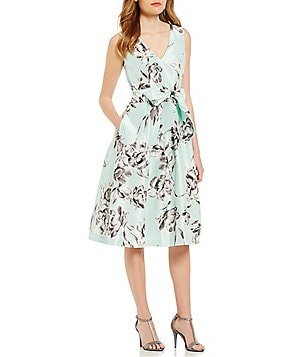 Jessica Howard Floral-Print V-Neck Midi Dress