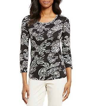 Chelsea & Theodore Crew Neck 3/4 Sleeve Shirttail Hem Paisley Print Blouse