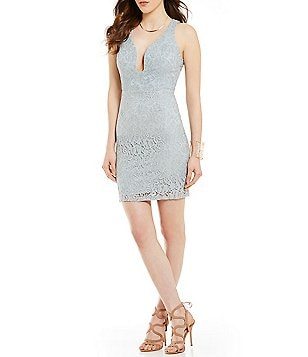 Mystic Sleeveless Floral-Lace Plunging V-Neck Sheath Dress