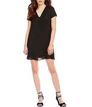Soprano Short-Sleeve V-Neck T-Shirt Shift Dress