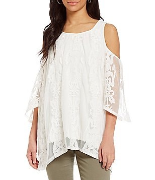 Chelsea & Theodore 3/4 Sleeve Cold-Shoulder Lace Blouse