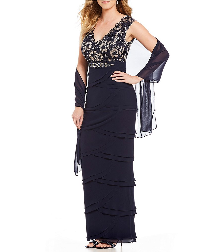 Jessica Howard Petite Lace Bodice V-Neck Tiered Skirt Gown