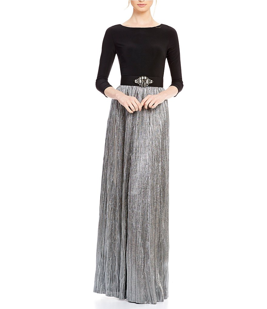 Vince Camuto Boat Neck Silver Skirt Gown