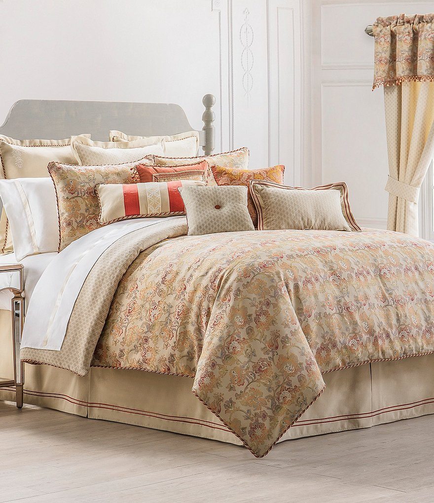 Waterford Cathryn Floral & Geometric Faux-Linen Comforter Set