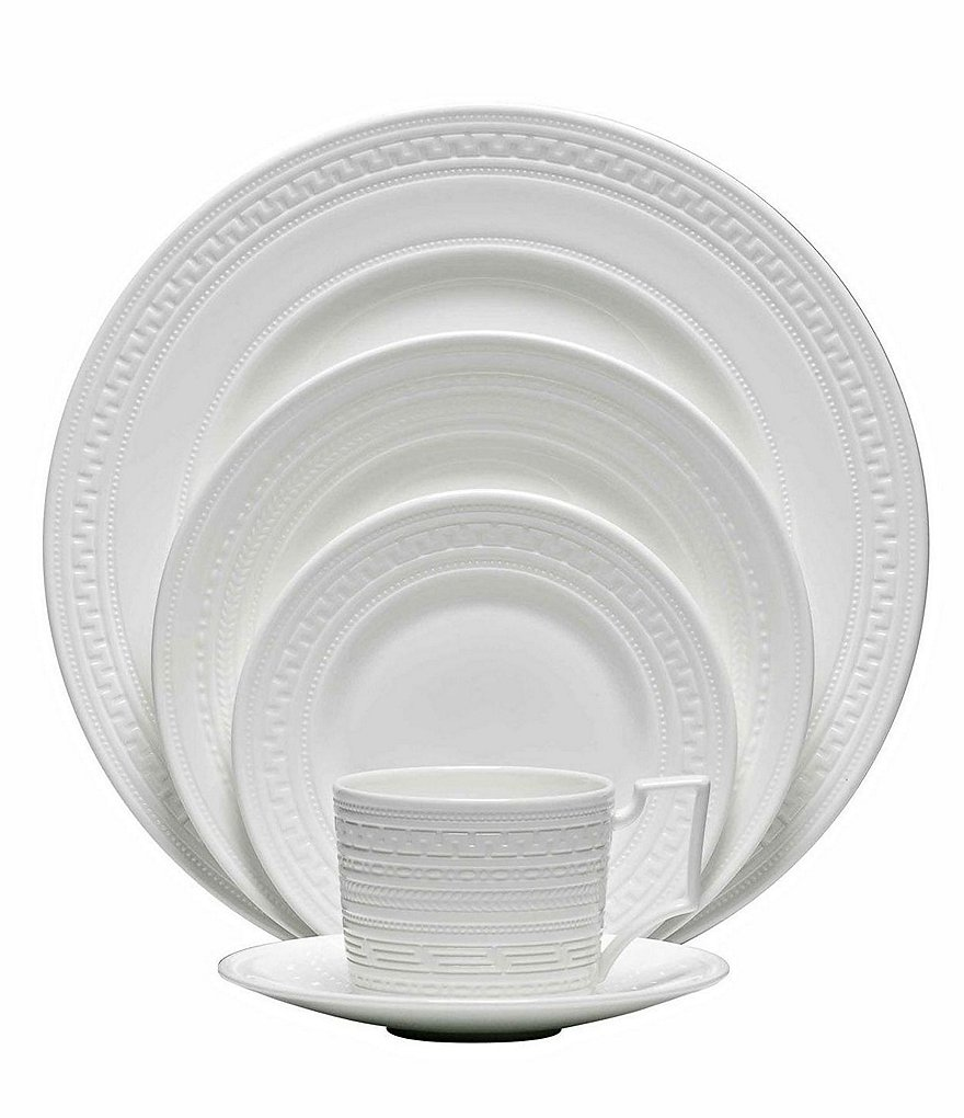 Wedgwood Intaglio Neoclassical Embossed Bone China 5-Piece Place Setting