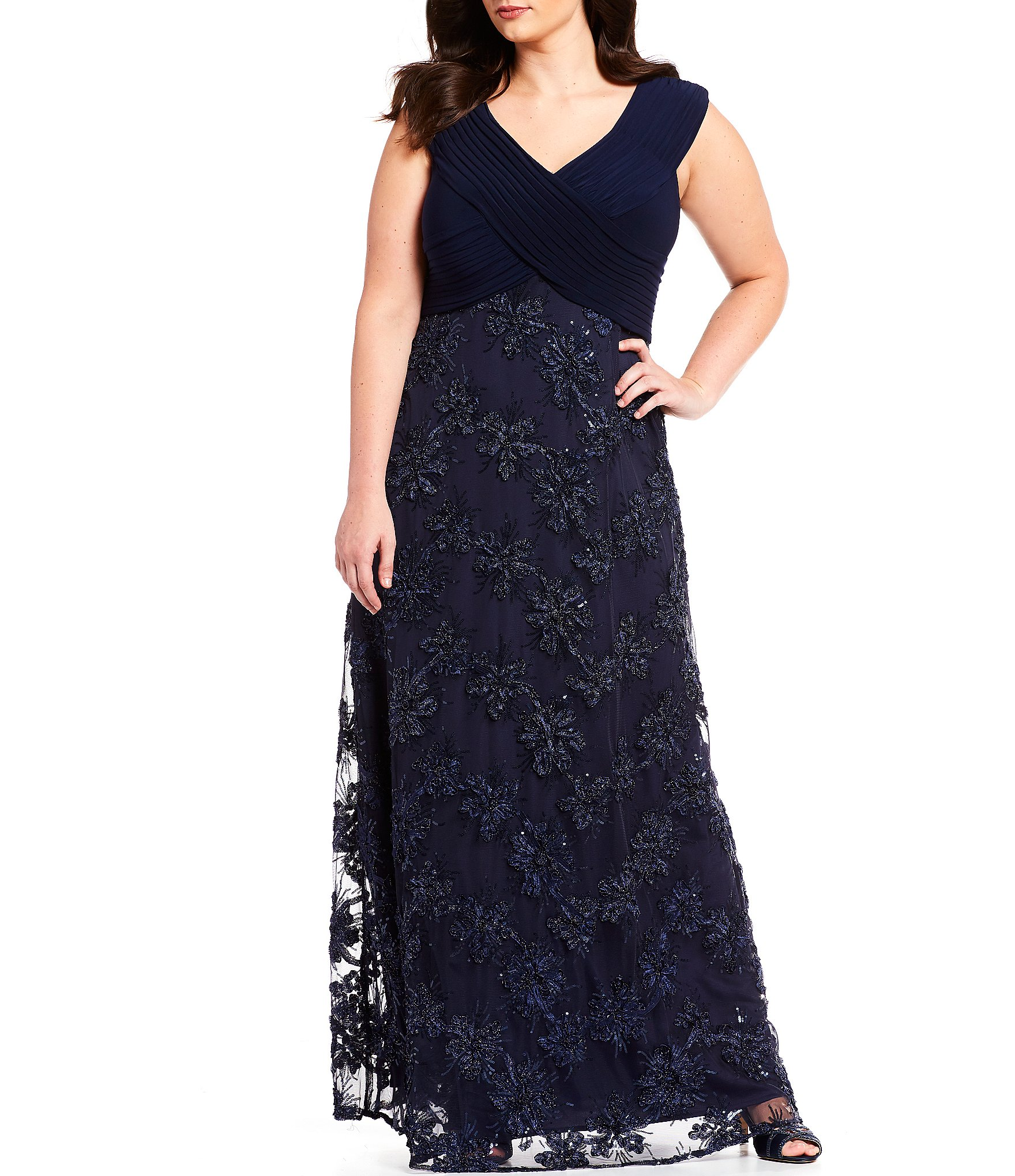 Plus-Size Formal Dresses & Gowns | Dillards