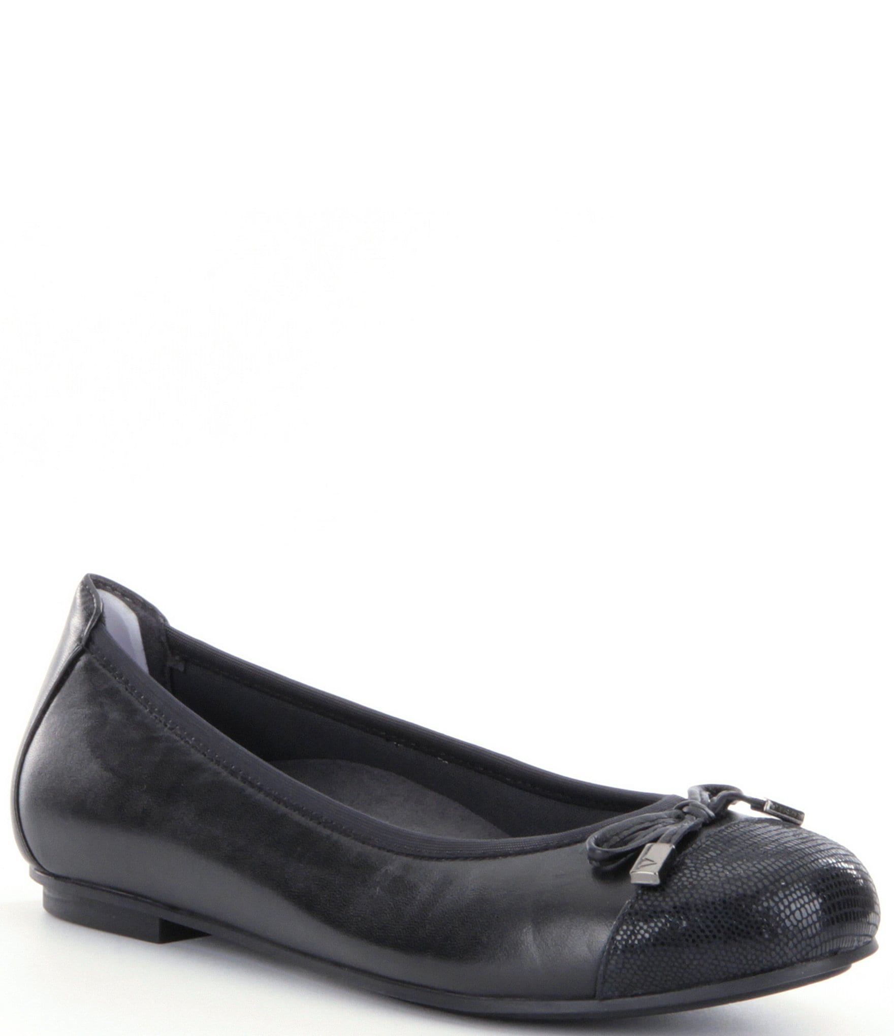 Black suedette flat shoes with patent toe cap and bow B7Zr9pQ2S