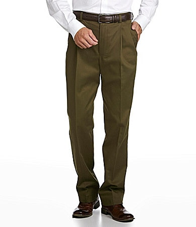 Roundtree & Yorke Pleated Expander Chino Pants