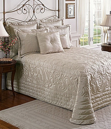 Noble Excellence Moire Bedding Collection