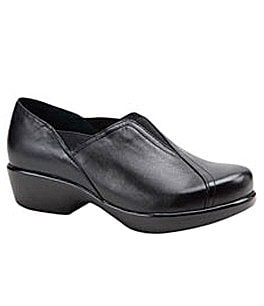 Dansko Women�s Arden Clogs