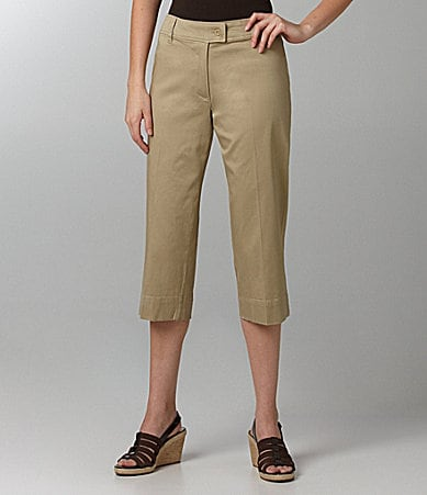 Westbound Woman Sateen Capri Pants