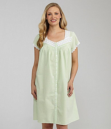 Eileen West Sweet On You Seersucker Short Button-Front Gown