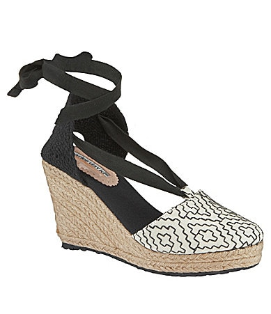 Charles David Bingo Wedges