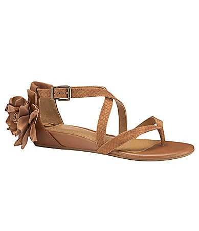 GB Gianni Bini Eye-Candy Sandals
